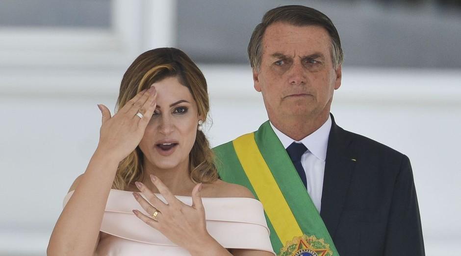 Michelle Bolsonaro falando em libras durante cerimônia de posse de Jair Bolsonaro (Foto: Agência Brasil)