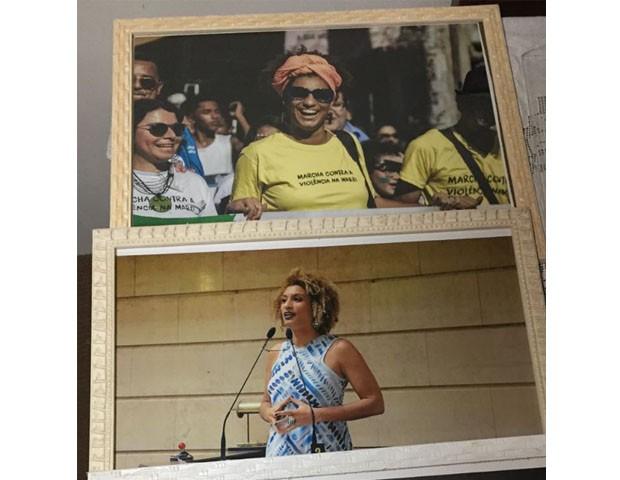 Os retratos da filha que Marinete ganhou no enterro (Foto: Lucas Landau)