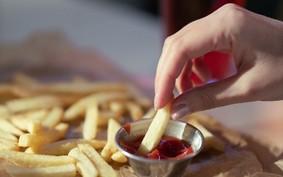 Redes de fast food têm dificuldades para suprir demanda por ketchup