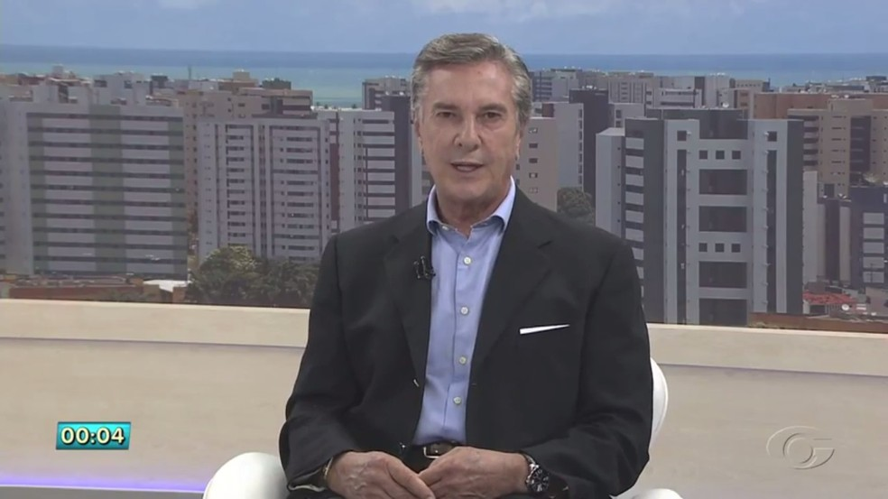 Fernando Collor anunciou nas redes sociais desistência da candidatura ao governo de Alagoas — Foto: Reprodução/TV Gazeta