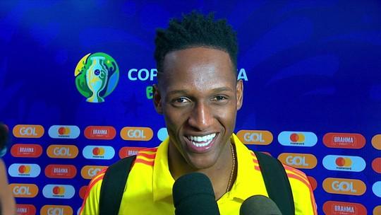 """Mina volta ao Palmeiras com a Colômbia, ganha camisa e diz: """"Está muito difícil perder"""""""