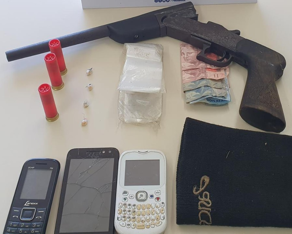 Homem suspeito de tráfico de drogas foi preso em Dias D'Ávila, região metropolitana de Salvador — Foto: Secretaria de Segurança Pública/Divulgação