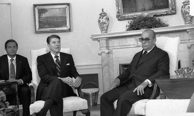 Ronald Reagen recebe o general João Figueiredo na Casa Branca, em maio de 1982
