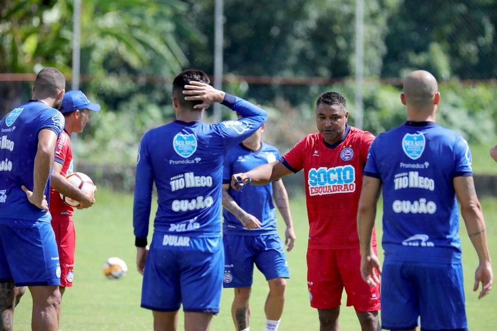 c4c4dadf9b801 ... Roger Machado comanda treinamento do Bahia no Fazendão — Foto  Felipe  Oliveira Divulgação