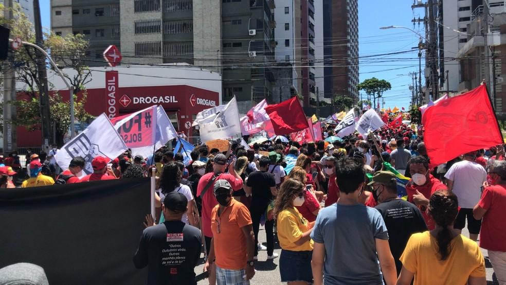 Natal, RN, 10h - Manifestantes fazem ato contra o presidente Jair Bolsonaro em Natal — Foto: Geraldo Jerônimo/Inter TV Cabugi