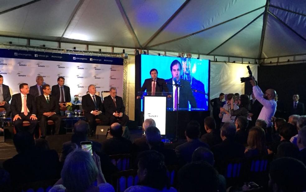 Rodrigo Maia defende reforma da Previdência durante evento em Goiânia (Foto: Honório Jacometto/TV Anhanguera)