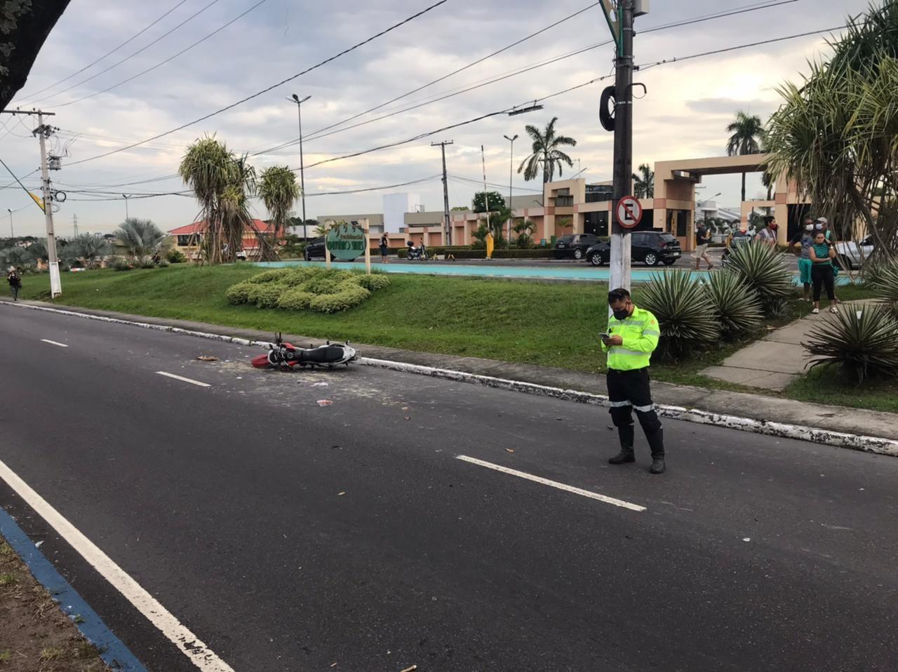 Idoso morre atropelado ao tentar atravessar Avenida Efigênio Salles, em Manaus