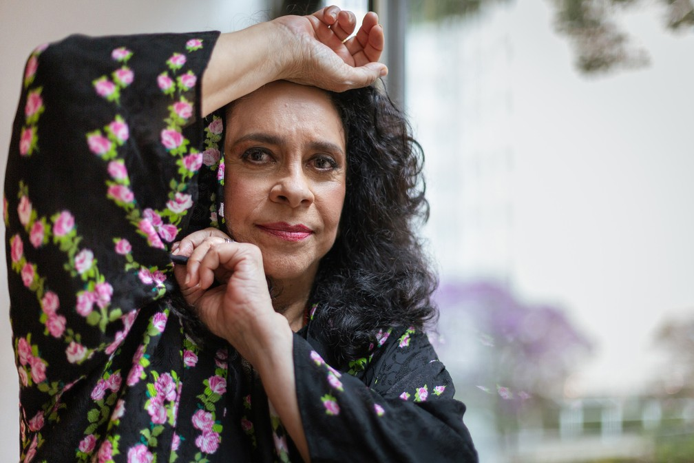 Gal Costa posa para o lançamento do disco 'Nenhuma Dor' — Foto: Carol Siqueira/Divulgação