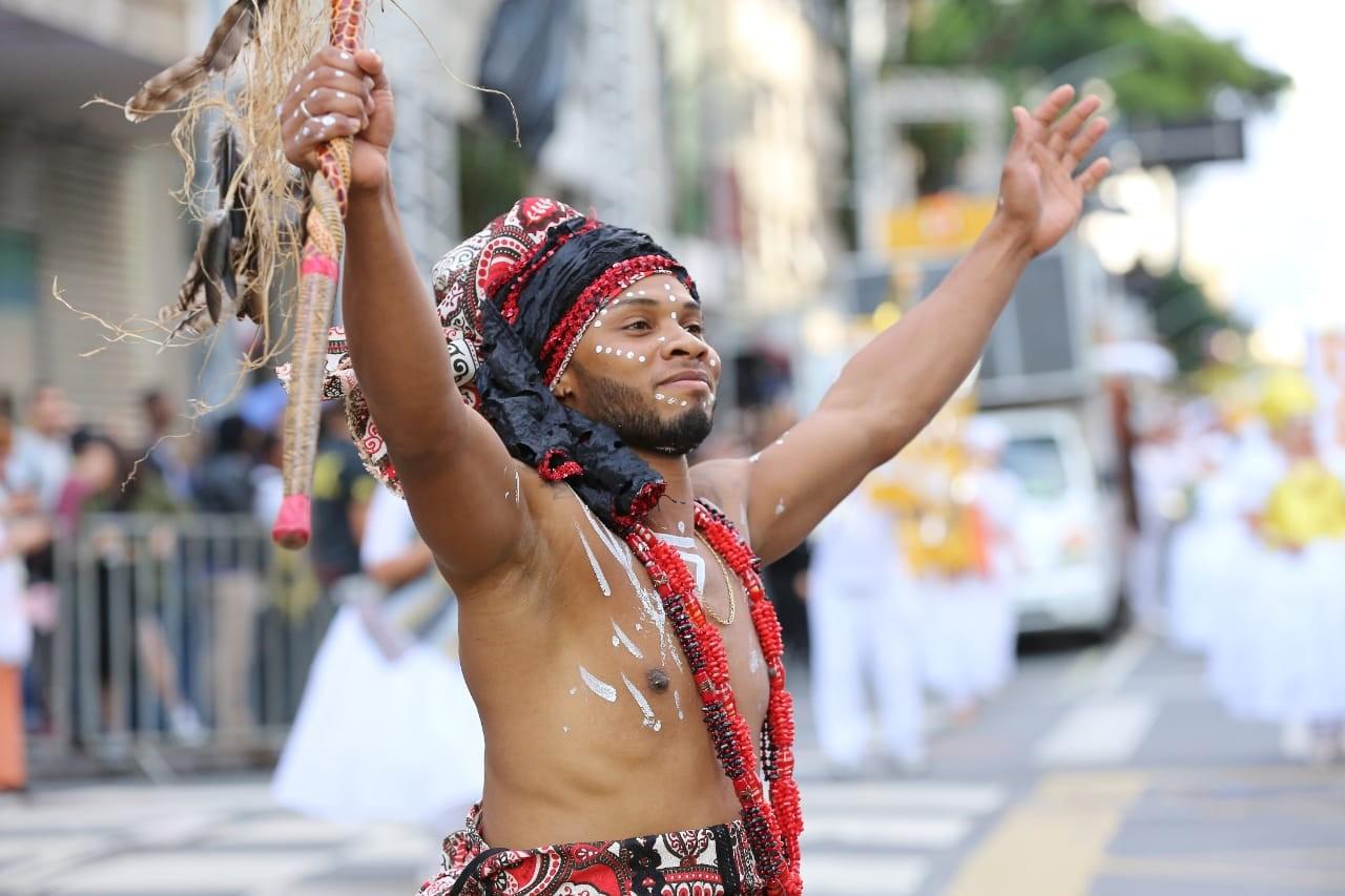 FOTOS: veja imagens do Carnaval de 2020, em Curitiba