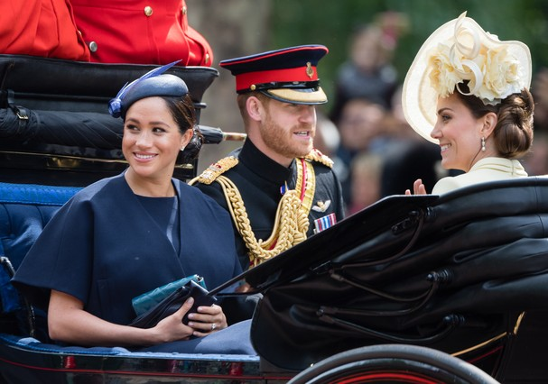 LONDON, ENGLAND - JUNE 08: Prince Harry, Duke of Sussex. Meghan, Duchess of Sussex and Catherine, Duchess of Cambridge ride by carriage down the Mall during Trooping The Colour, the Queen's annual birthday parade, on June 08, 2019 in London, England. (Pho (Foto: Samir Hussein/WireImage)