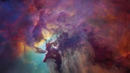 Telescópio Hubble registra conglomerado de galáxias