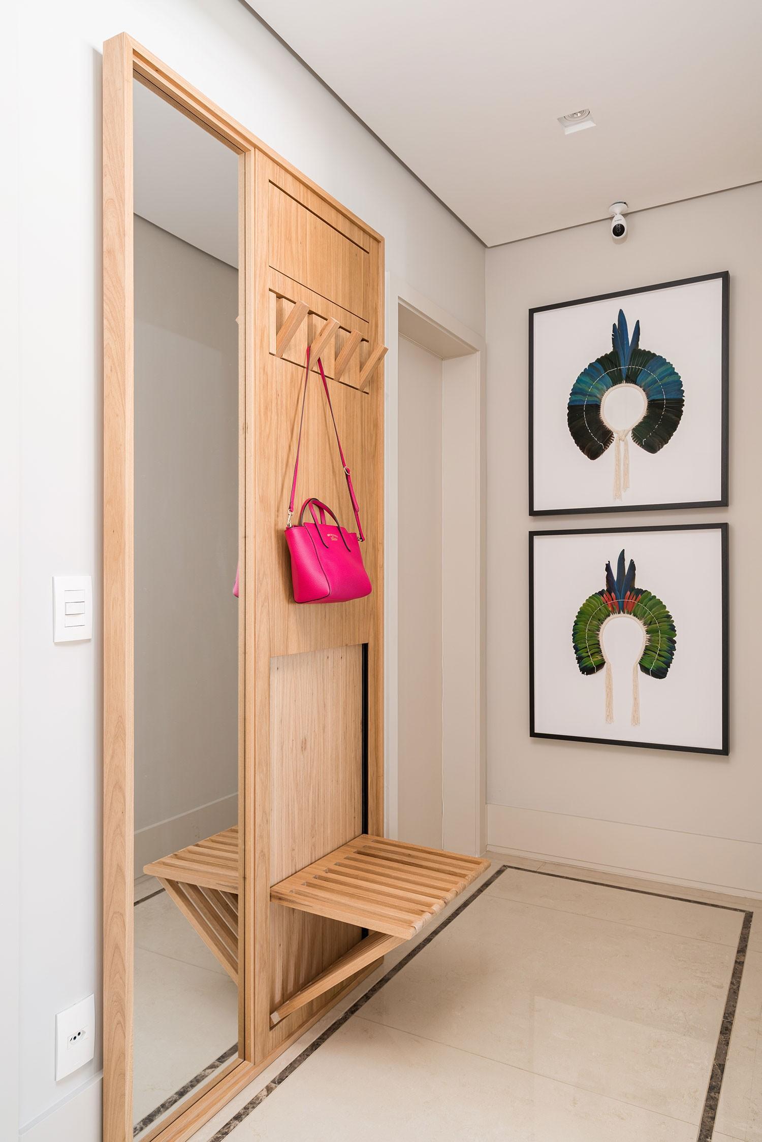 Hall de entrada con espejo: 5 ideas para rediseñar el espacio (Foto: Kadu Lopes)