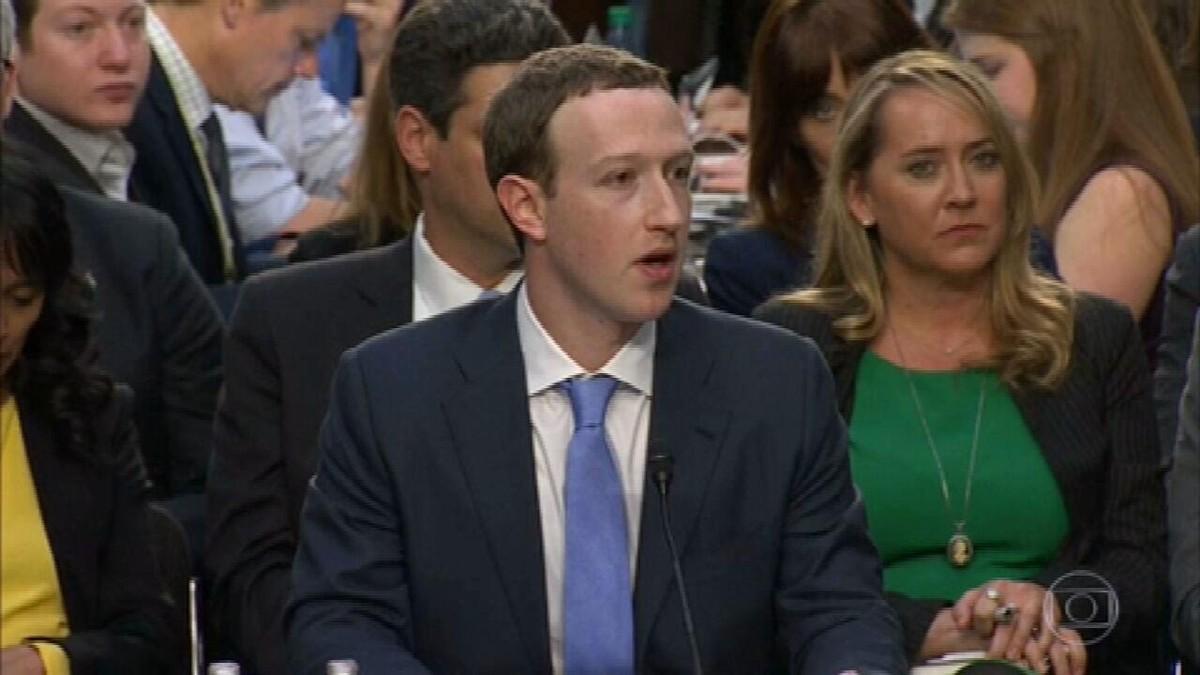 Mark Zuckerberg se defende de acusações um dia após pane no Facebook, no WhatsApp e no Instagram: 'Não é verdade que priorizamos o lucro'