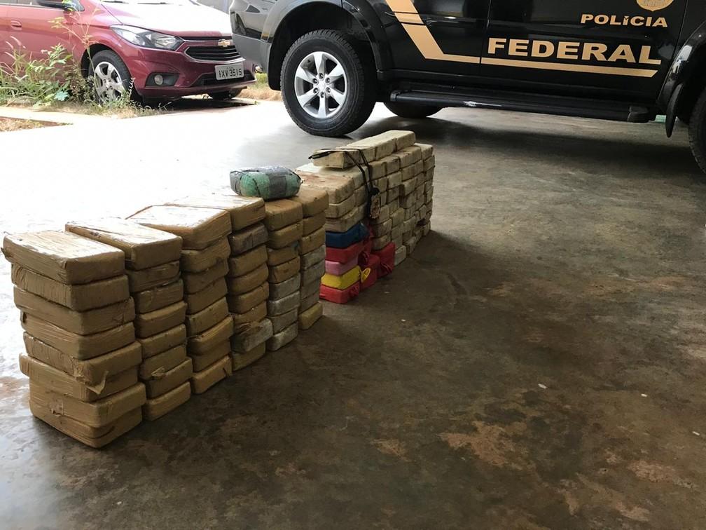 Hóspedes foram presos em hotel com 110 kg de cocaína dentro de carros em Barra do Bugres — Foto: Polícia Federal de Mato Grosso/Assessoria