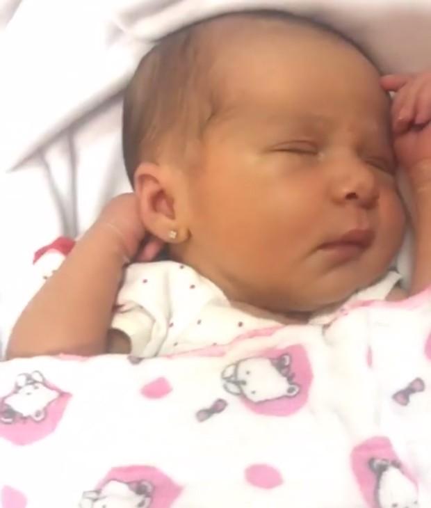 Stela, filha caçula de Letícia Santiago (Foto: Reprodução/Instagram)