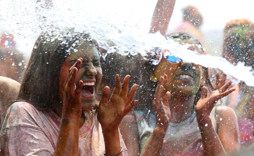 Espanha celebra 'festival das cores' (Foto: Alber Gea/Reuters)