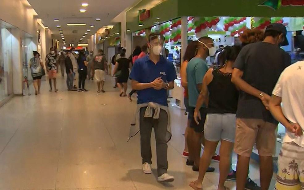 Shoppings e mercados de Salvador e região metropolitana têm horários alterados por causa do toque de recolher — Foto: Reprodução/TV Bahia