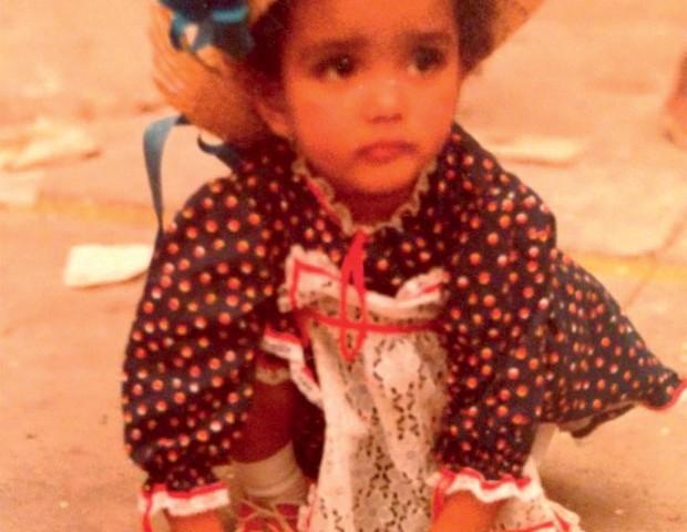Essa é Luciana, aos 5 anos…  (Foto: Arquivo pessoal)