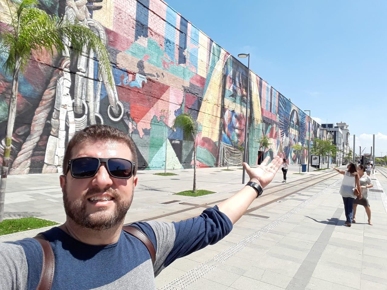 André Luís Santa Rita, atualmente, em passeio no Boulevard Olímpico, do Rio