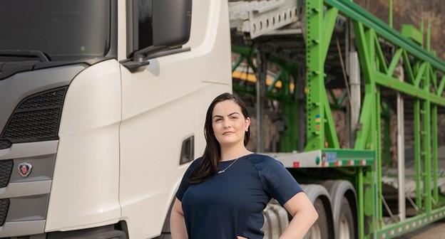 """Jovem fatura R$ 1,5 milhão com """"uber do caminhão-cegonha"""" e cresce com franquias"""