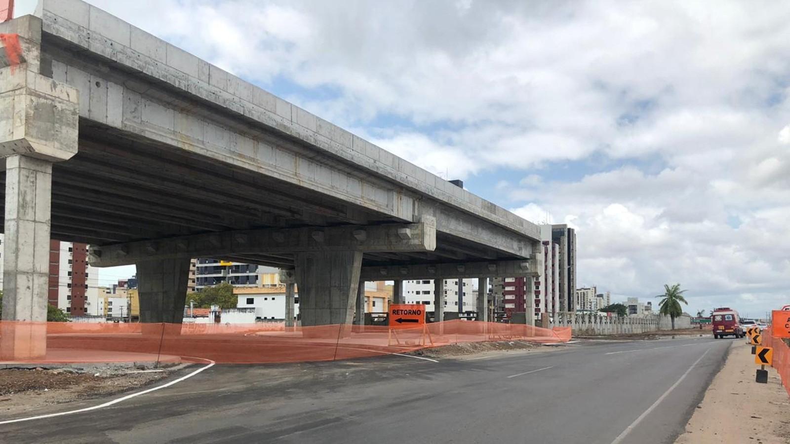 Tráfego no 'retorno de Intermares' na BR-230 é liberado pelo DNIT, em Cabedelo, PB - Notícias - Plantão Diário