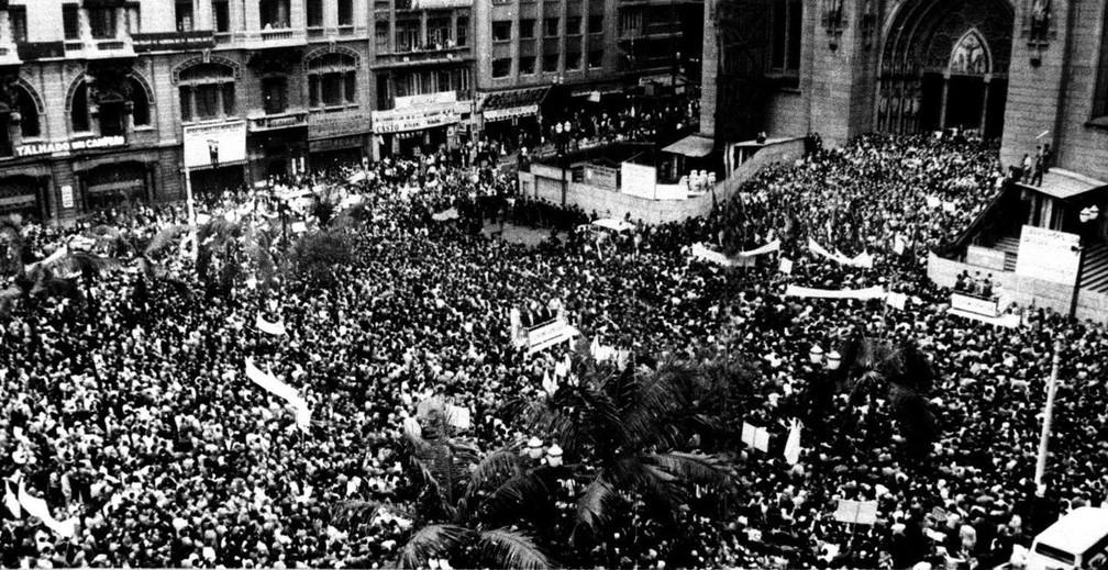 Imagem da Marcha da Família com Deus pela Liberdade, que aconteceu em 19 de março de 1964, em São Paulo — Foto: Folhapress