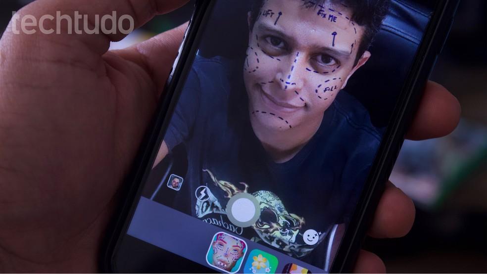 Filtro Fix Me, que insere marcas pré-operatórias no rosto dos usuários, será banido do Instagram Stories — Foto: Marvin Costa/TechTudo