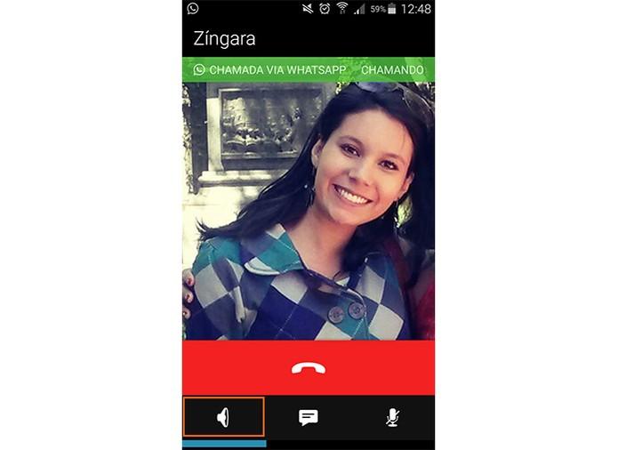 O primeiro ícone coloca a ligação do WhatsApp no viva-voz (Foto: Reprodução/Barbara Mannara)