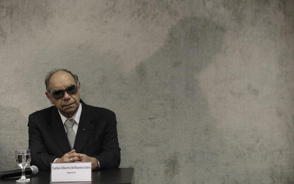 Carlos Alberto Brilhante Ustra,em depoimento de 2013 à Comissão Nacional da Verdade, em Brasília. — Foto: Sérgio Lima/Folhapress