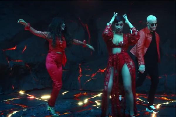Selena Gomez e Cardi B no clipe do DJ Snake (Foto: Reprodução)