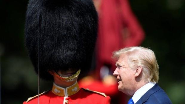 No primeiro dia da viagem ao Reino Unido, o presidente Donald Trump esteve no Palácio de Buckingham (Foto: REUTERS)