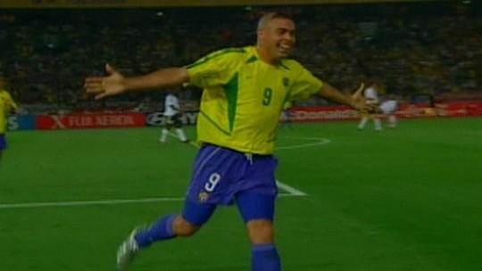 """""""Senti que a minha vida tinha sido levada embora"""", diz Ronaldo sobre lesão em 2000"""