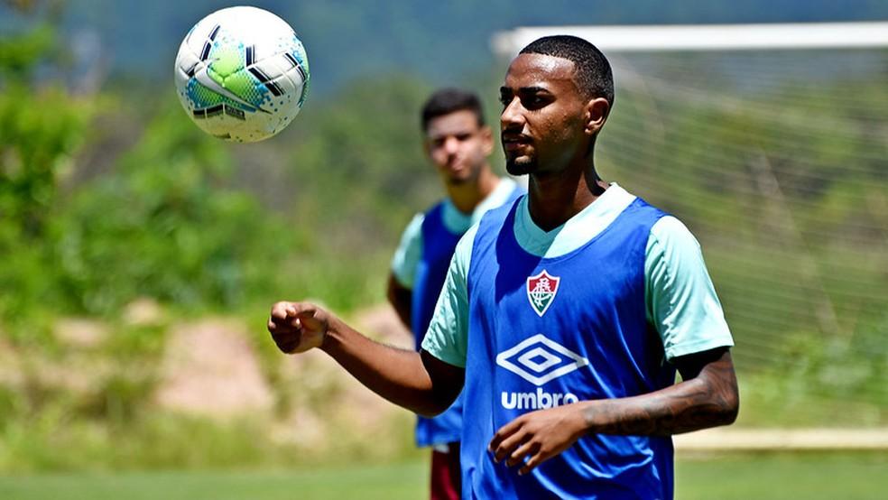 Volante Nathan foi uma das caras novas nos treinos da semana — Foto: Mailson Santana / Fluminense FC