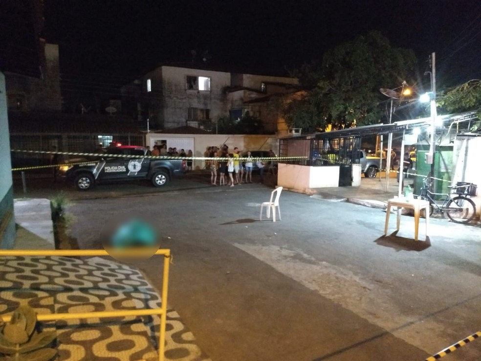 Analista judiciário do TJ-PI foi assassinado em um bar na Zona Sudeste de Teresina — Foto: Gil Oliveira/ TV Clube