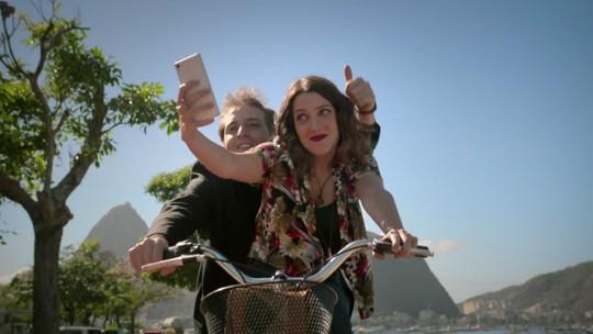 'Desculpe o Transtorno': Cena tem Gregório Duvivier e Clarice Falcão