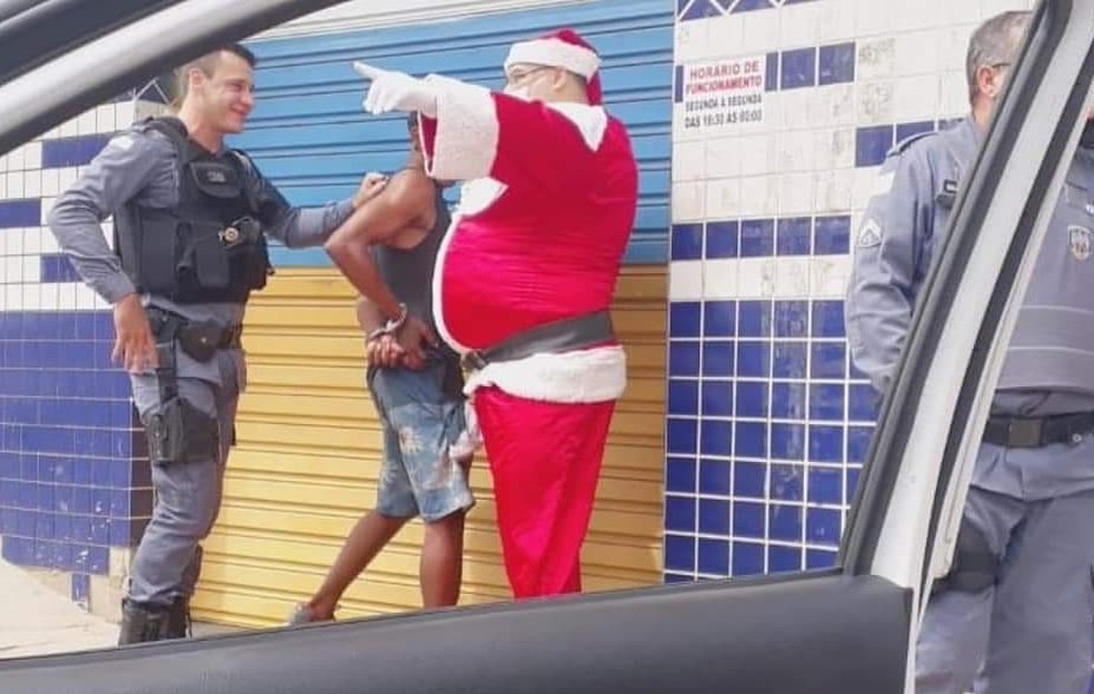 Papai Noel policial prendeu suspeito em Colatina, ES — Foto: Divulgação/Instagram/Sddscolatina
