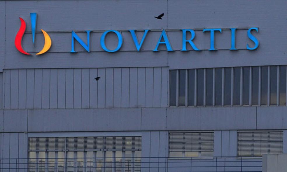 Fachada da sede da Novartis, fabrigante do remédio Zolgensma, em Basel, na Suíça — Foto: Arquivo/Arnd Wiegmann/Reuters