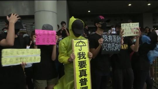 Protestos em Hong Kong têm novo dia de confrontos