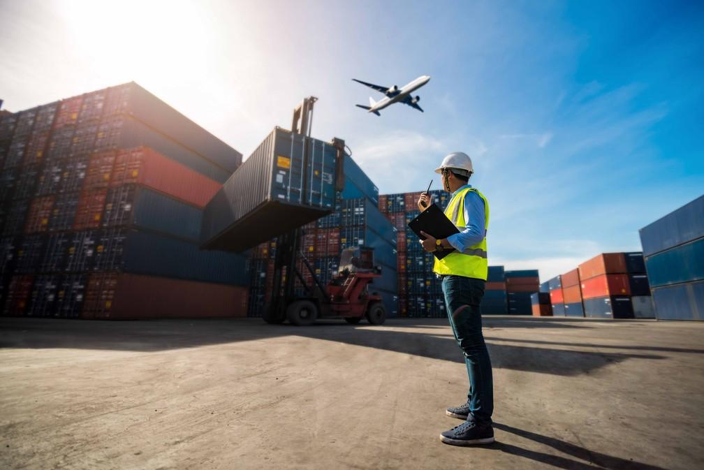 Quando comparado ao ano de 2019, a maior alta nas exportações foi registrada entre os produtos cerâmicos; seguido de alimentos, bebidas e álcool; e minérios — Foto: Divulgação/Fiep