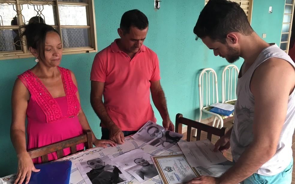 Família diz que Maykon Eder de Jesus tinha feito vários cursos e lutava por melhor condição financeira em Senador Canedo, Goiás (Foto: Paula Resende/ G1)