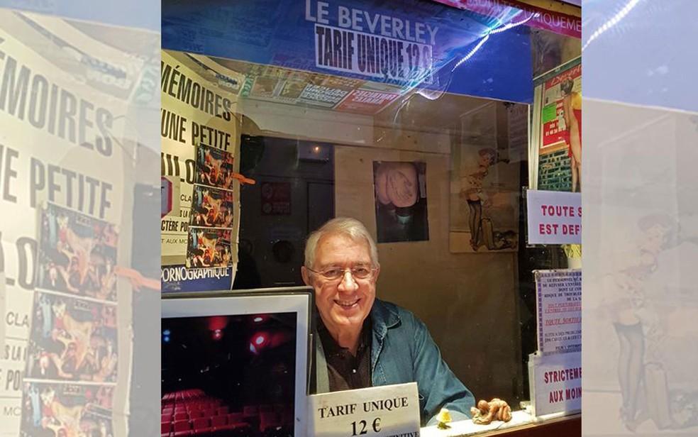 """Maurice Laroche, dono no Beverley, da entrada do cinema: """"vou lamentar não rever mais meus clientes"""" — Foto: RFI/Philippe Daguerre"""