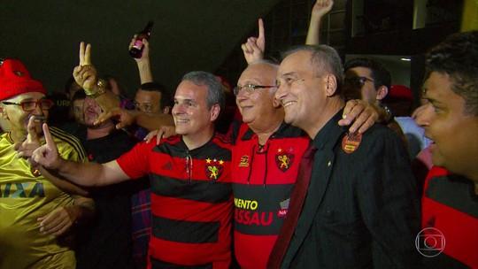 Salários em dia, relação com torcida e título: Milton Bivar inicia resgate do Sport