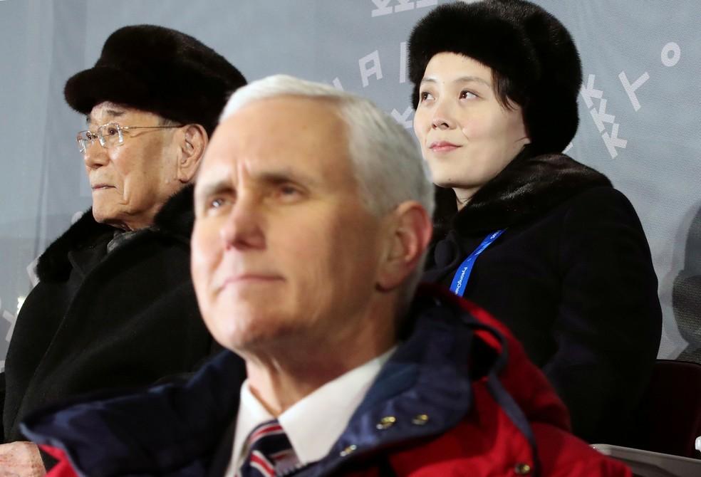 O vice-presidente americano, Mike Pence, foi colocado para sentar perto da irmã de Kim Jon-un, na cerimônia de abertura dos Jogos Olímpicos de Inverno, mas eles não dialogaram  (Foto: Yonhap via Reuters)