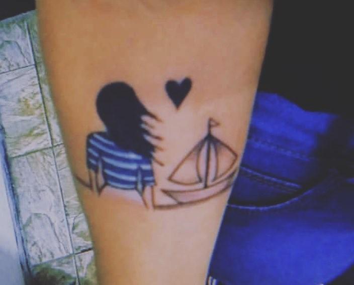Maria Ribeiro mostra tatuagem (Foto: Reprodução / Instagram)