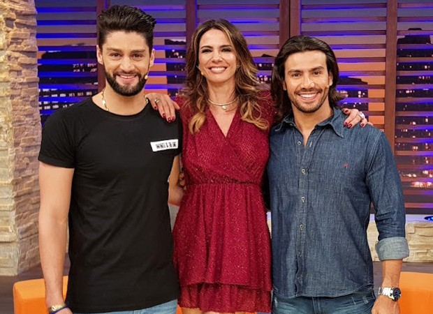 Luciana Gimenez com Munhoz e Mariano (Foto: Divulgação/RedeTV!)