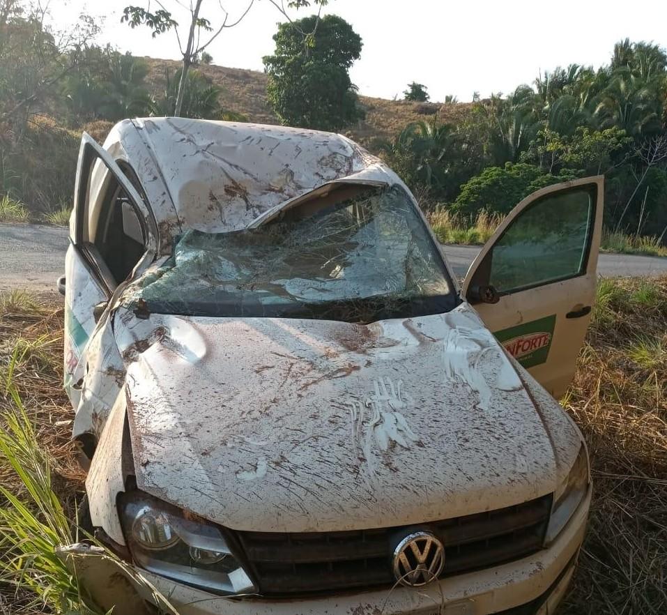 Homem morre após perder controle e bater carro em árvore na TO-164 - Notícias - Plantão Diário