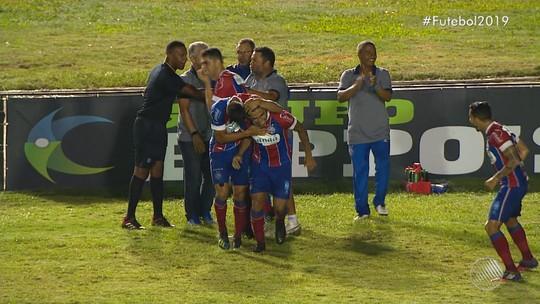 """Titular ao lado do irmão e com participação direta em gol, Fernando diz: """"Não tenho como descrever"""""""