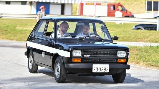 Nos 40 anos do carro a álcool, G1 passeia no Fiat 147 'cachacinha'