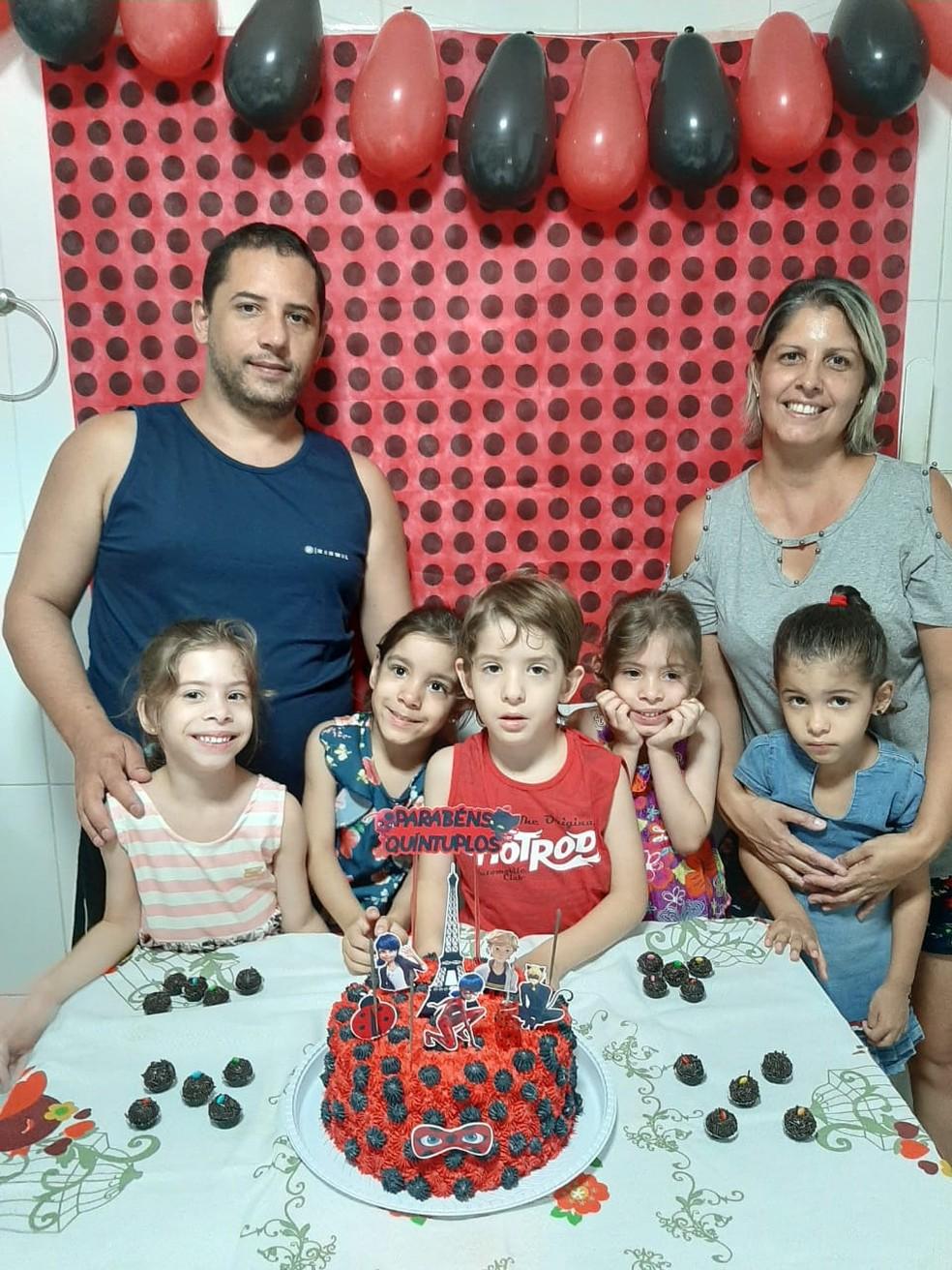 Quíntuplos comemoraram 5 anos durante o isolamento social — Foto: Arquivo Pessoal