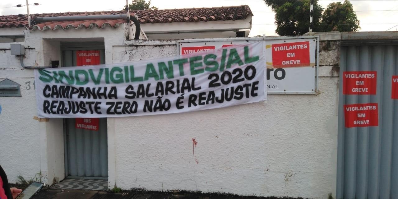 Vigilantes fazem greve em Alagoas e atendimento em agências da CAIXA é afetado